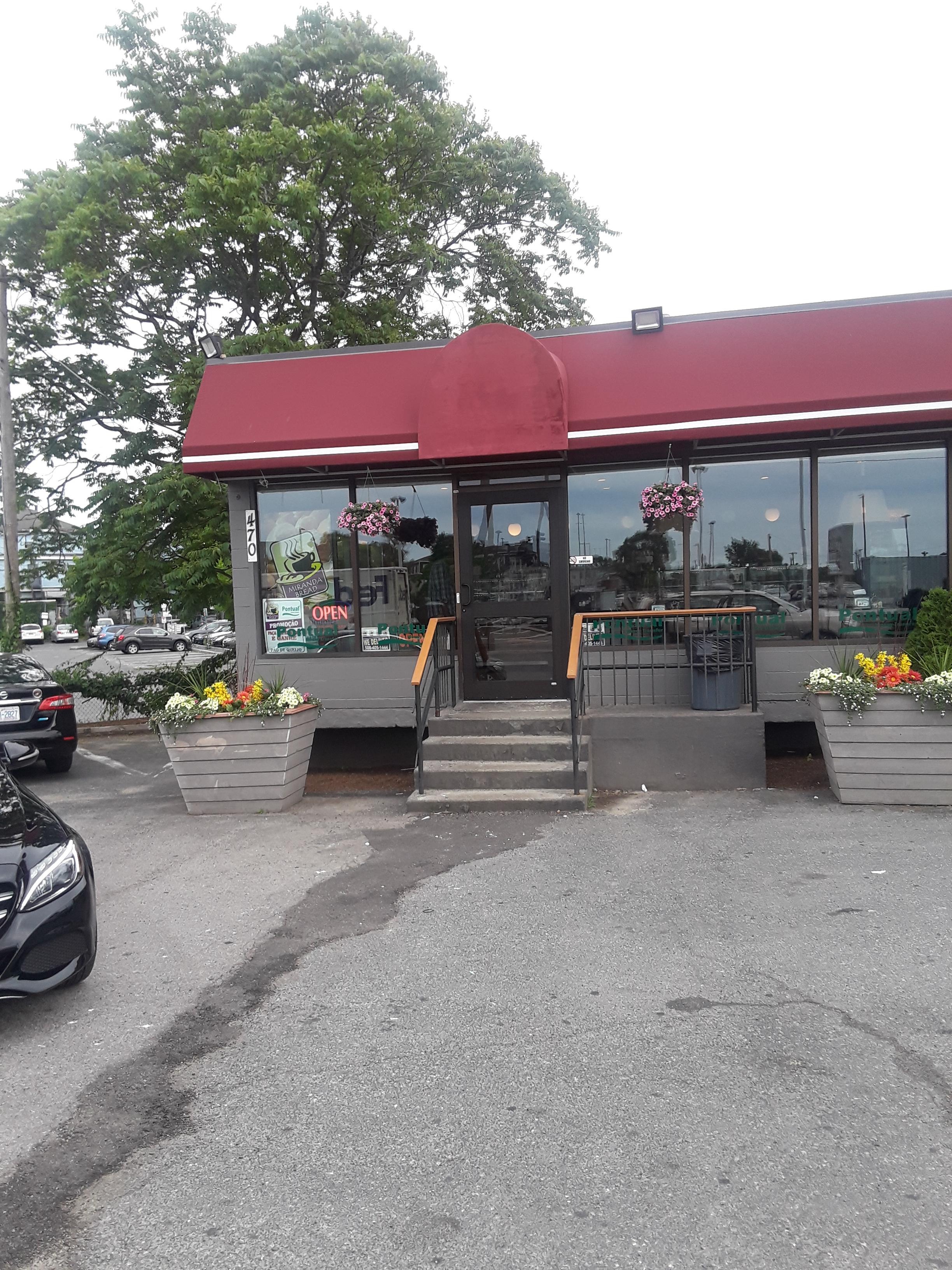 Framingham Bakery – New Commercial Aluminum Entrance