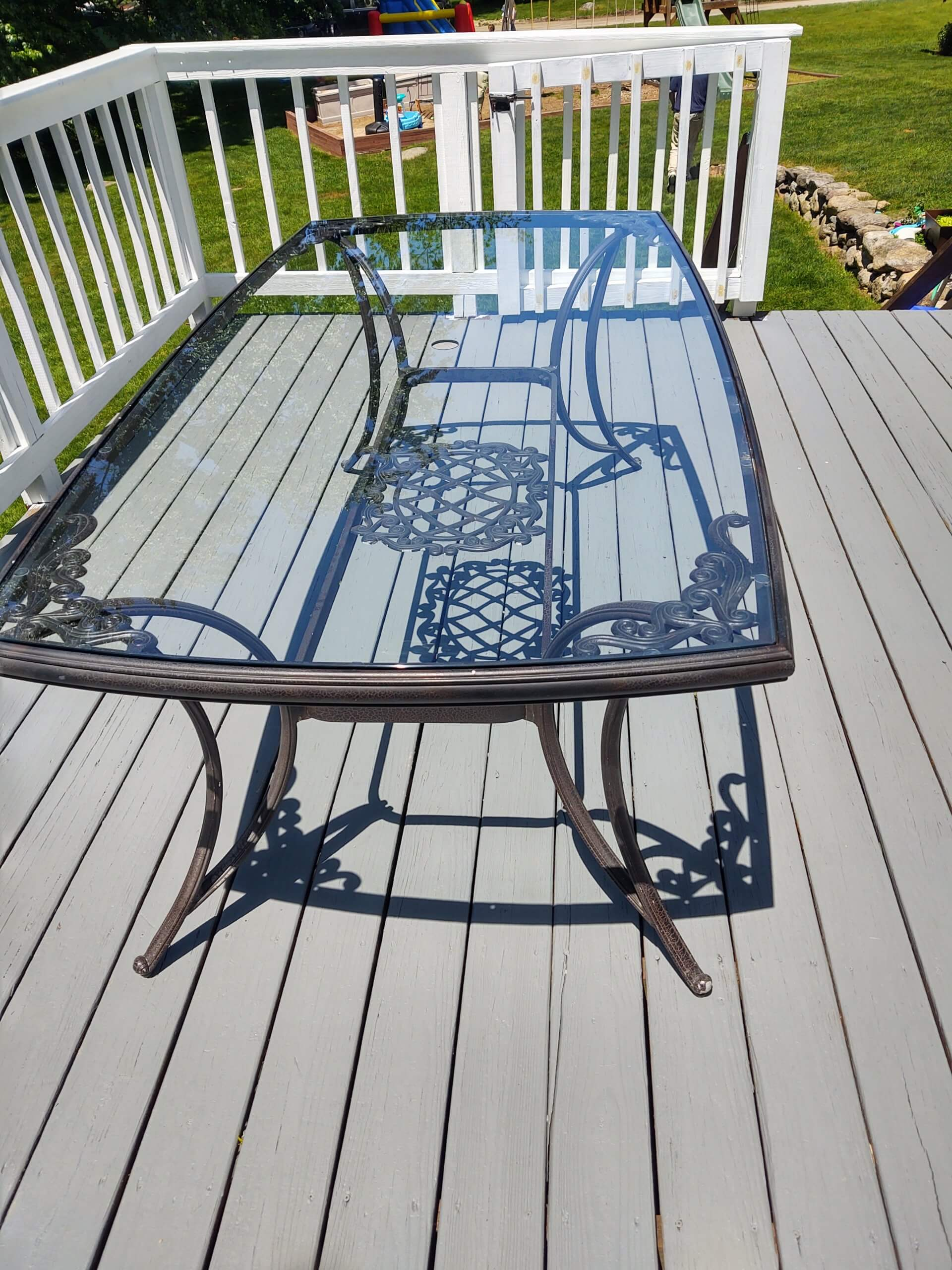 Glass Replacement in an Outdoor Table Frame